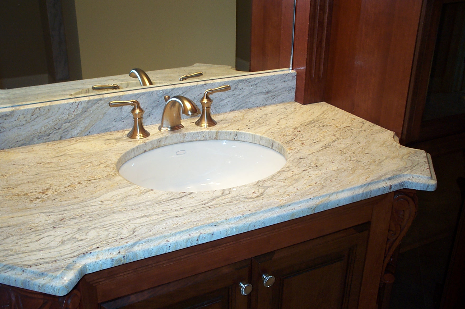 Http Galleryhip Com Granite Countertops Bathroom Html